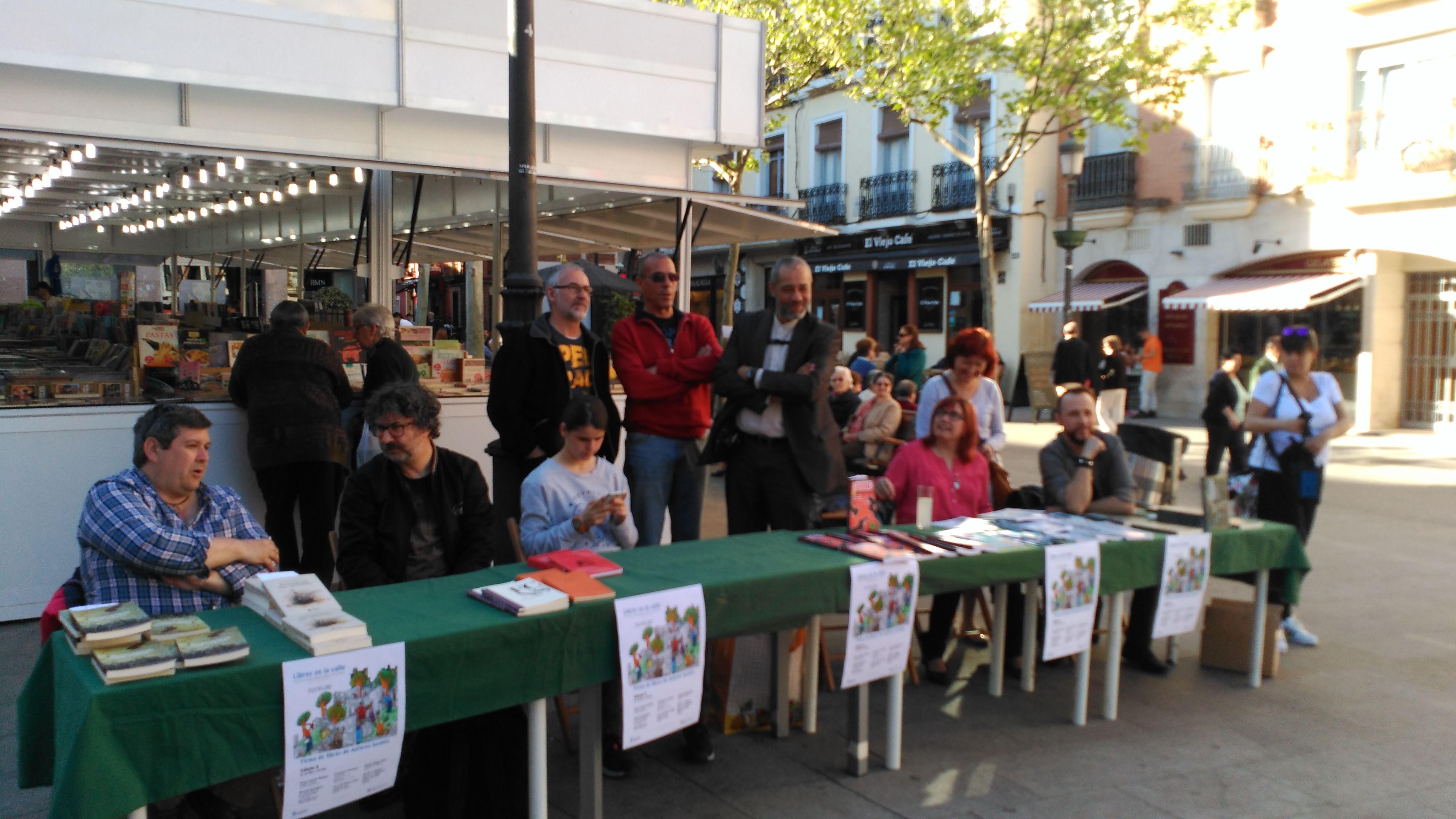 Visita a la Feria del Libro Antiguo, Usado y de Ocasión de Leganés ...